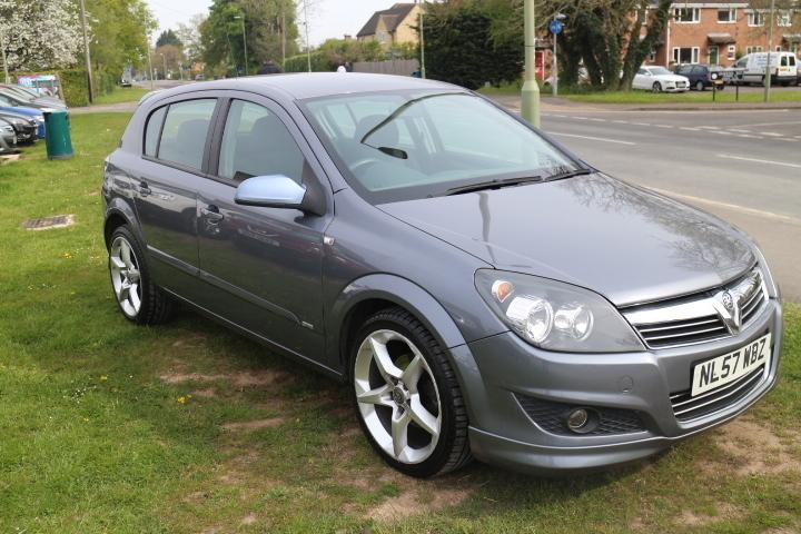 Vauxhall Astra 1 8i 16v Vvt Sri Exterior Pack Mj Wearing