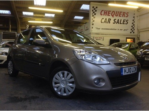 Renault Clio 1.2 16V 75 EXPRESSION.  ONLY 10000 MILES !