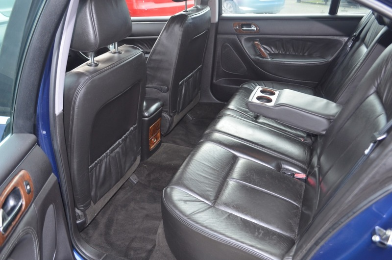 Peugeot 607