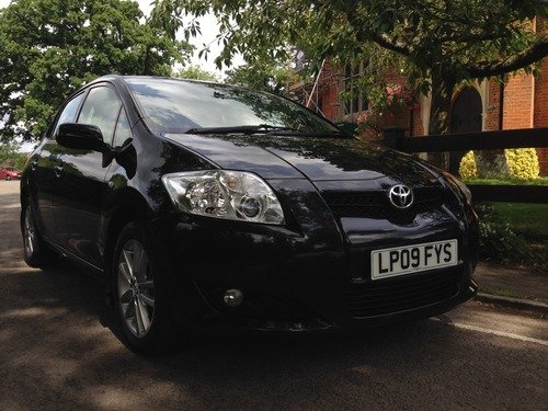 Toyota Auris 1.6 V-MATIC TR FULL SERVICE HISTORY (6 STAMPS) MOT UNTIL LATE JUNE 2017