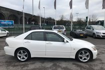 Lexus IS 200 SE cam belt has been changed, just been service, service history, 4 Lexus service stamps.