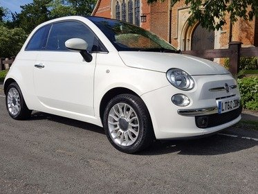 Fiat 500 1.2I LOUNGE C / AUTOMATIC / CONVERTIBLE WITH BLUETOOTH