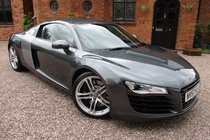 Audi R8 4.2 QUATTRO / Opportunity Not To Miss With 11,000 Miles Only