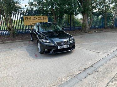 Lexus IS 300 2.5 Luxury E-CVT 4dr
