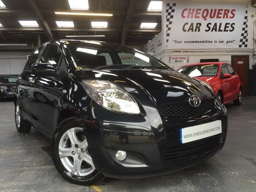 Toyota Yaris 1.3 VVT-I TR 27,000 MILES AND JUST SERVICED AND MOT'D READY FOR ITS NEW OWNER