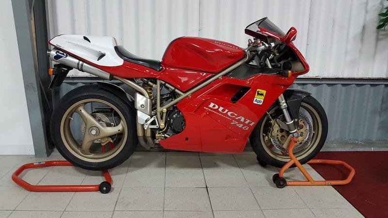 Ducati 748 Bi-Posto