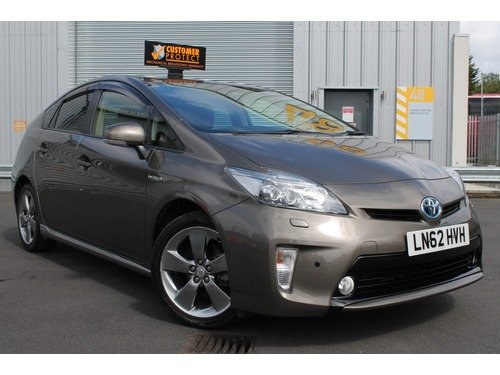 Toyota Prius T Spirit Vvt-i  Leather+12 M AA Cover