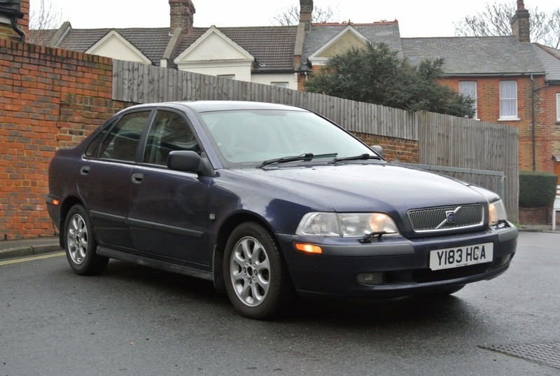 Volvo S40 1.6 XS WITH A LONG MOT | s m car sales