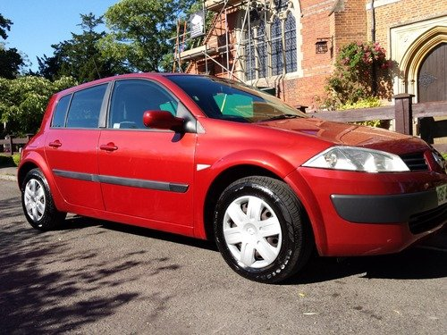 Renault Megane 1.4 16V AUTHENTIQUE, JUST 15.000 MILES, 1 OWNER, FULL SERVICE HISTORY, AIR CON!