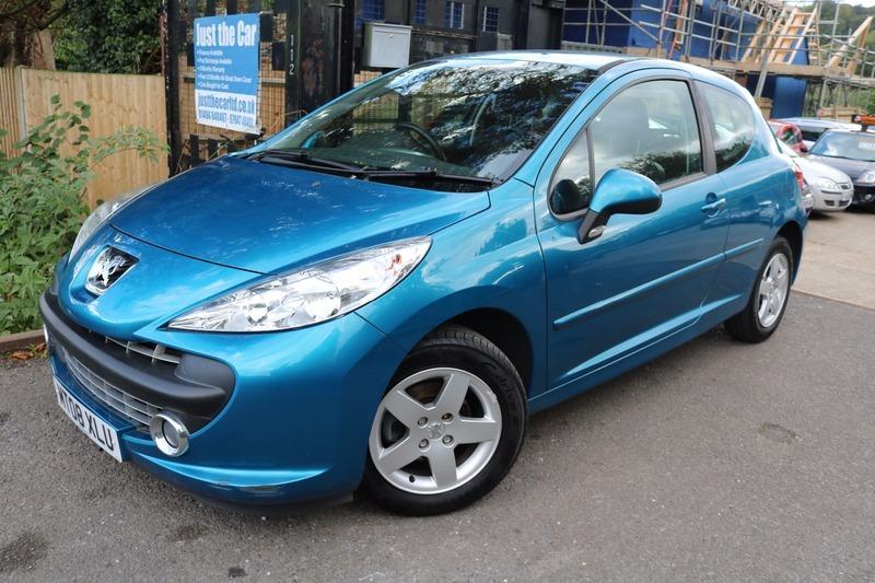 Peugeot 207 1.4 8V 75 SPORT