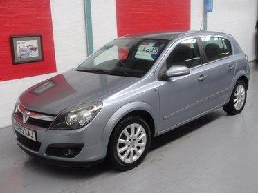 Vauxhall Astra 1.6I 16V DESIGN