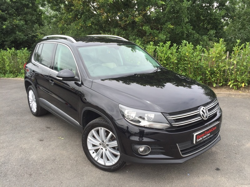 volkswagen tiguan 2 0 sport tdi individual blue tech 4x4. Black Bedroom Furniture Sets. Home Design Ideas