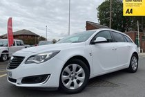 Vauxhall Insignia SRI NAV CDTI ECOFLEX S/S used car in white