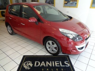 Renault Scenic DYNAMIQUE 1.6 VVT 110bhp with Convenience Pack
