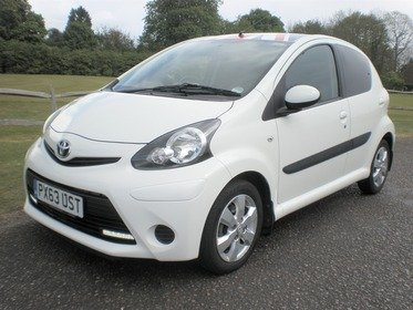 Toyota AYGO 1.0 VVT-I MOVE WITH STYLE Automatic