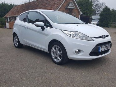 Ford Fiesta 1.25 ZETEC 82BHP / ONLY 16,000 MILES / BLUETOOTH / FULL FORD SERVICE HISTORY!