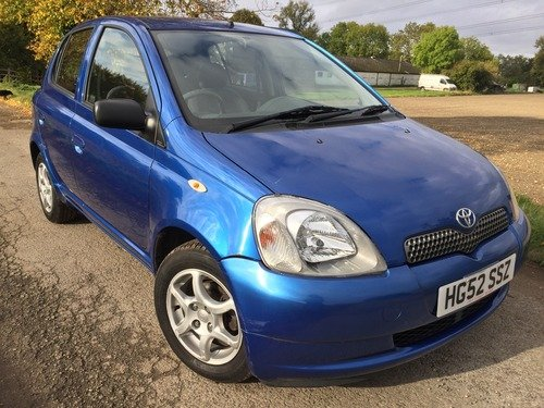 Toyota Yaris 1.3 16V VVT-I COLOUR COLLECTION