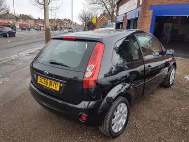 Ford Fiesta Style 1.25 075