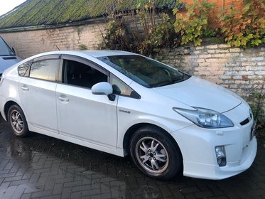 Toyota Prius 1.8 VVT-i Hybrid T4+ 2011 IMPORTED IN UK 2016