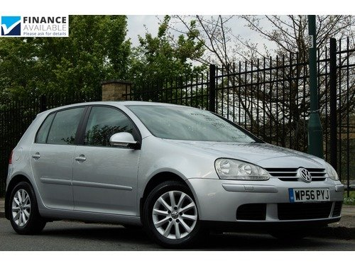 Volkswagen Golf 1.6 MATCH FSI >> FULL SERVICE HISTORY <<