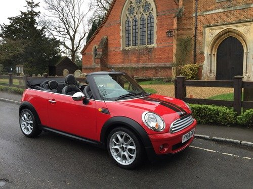 MINI Cooper 1.6I 16V COOPER CONVERTIBLE WITH A LONG LIST OF EXTRAS
