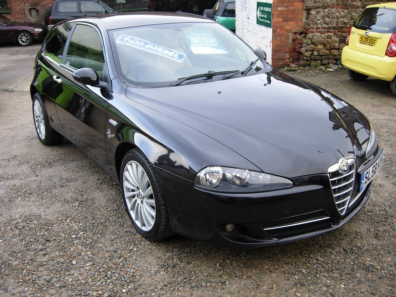 alfa romeo 147 1 9 jtdm collezione 2008 red central car sales northallerton limited. Black Bedroom Furniture Sets. Home Design Ideas