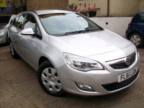 Vauxhall Astra 1.7CDTI 16V EXCLUSIV 110PS