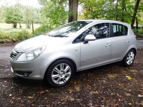 Vauxhall Corsa 1.4I 16V DESIGN A/C