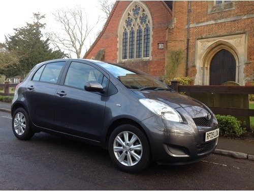 Toyota Yaris 1.3 VVT-I TR AUTOMATIC ONLY 5400 MILES !!!
