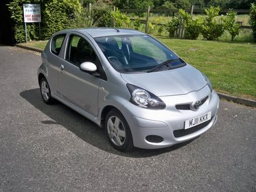 Toyota AYGO 1.0 VVT-I ICE FULL SERVICE HISTORY AIR CONDITIONING HALF LEATHER