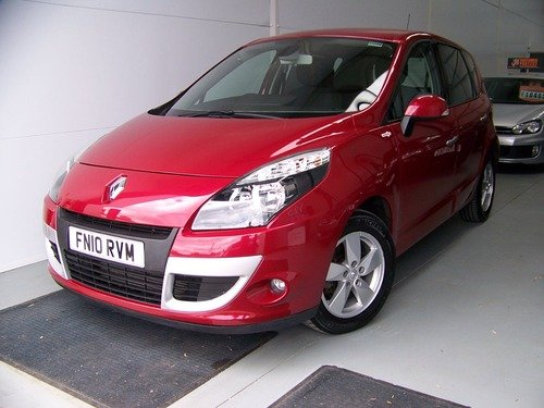 Renault Scenic 1.9 DYNAMIQUE TOMTOM DCI 130