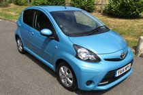 Toyota AYGO VVT-I MOVE WITH STYLE FULL SERVICE HISTORY SATNAV & AIR CONDITIONING & BLUETOOTH