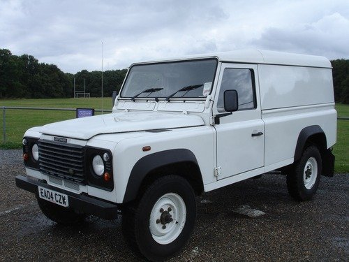 Land Rover Defender 110 2.5TD5 STATION WAGON