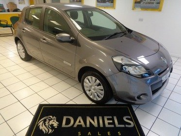 Renault Clio 1.2 16v 75bhp Expression 5dr *Only 20900 Miles*