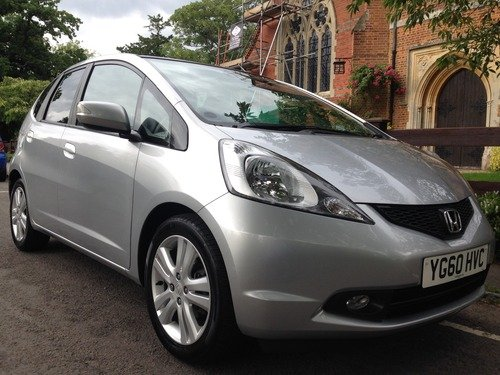 Honda Jazz 1.4 I-VTEC EX I-SHIFT PANORAMIC ROOF, REAR PARKING SENSORS, CRUISE CONTROL AND CLIMATE CONTROL