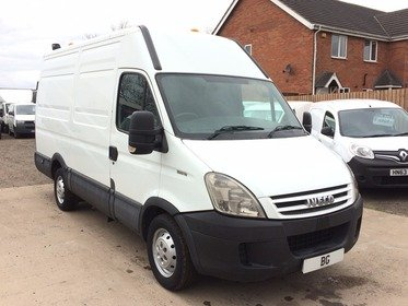 Iveco Daily 35s12 mwb/hi roof,2010, 1 owner,on board compressor and power unit JUST ARRIVED IN STOCK DIRECT FROM A NATIONWIDE COMPANY.
