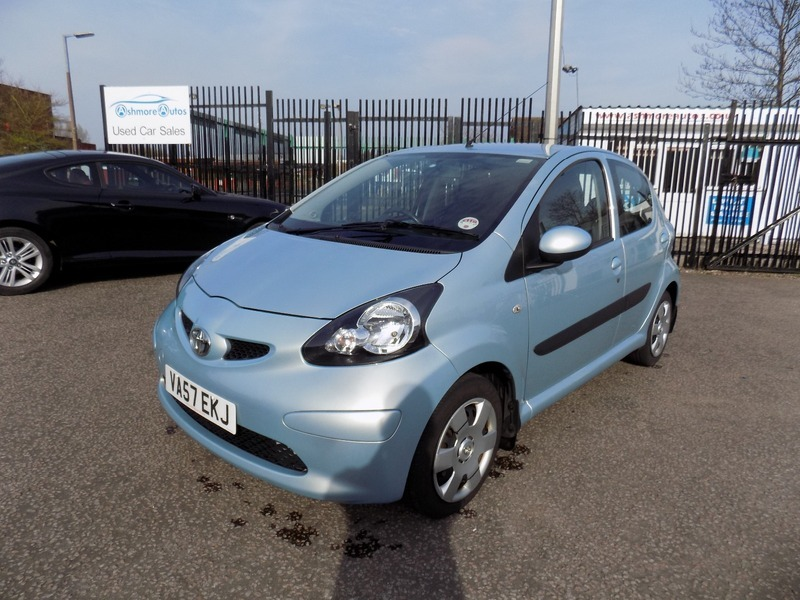 toyota aygo 1 0vvt i blue ashmore autos. Black Bedroom Furniture Sets. Home Design Ideas