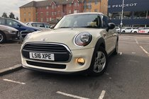 MINI One ONE.SatNav/Parking Sensors