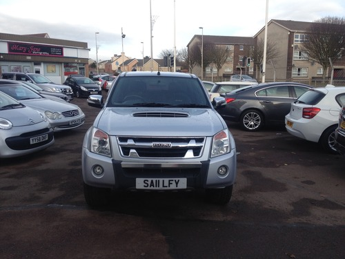 Isuzu Rodeo 3.0 4X4 DENVER MAX LE DOUBLE CAB