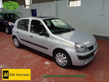 Renault Clio 1.4 16V EXPRESSION AUTOMATIC, SUNROOF, LOW MILEAGE, GREAT CONDITION