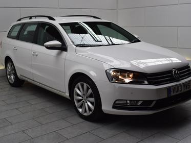 Volkswagen Passat 2.0 TDI HIGHLINE [NAV][140]