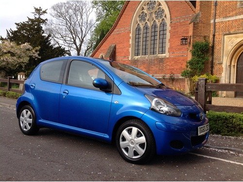 Toyota AYGO Blue Vvt-I ONLY 28000 MILES AIR CON & TOYOTA BLUETOOTH