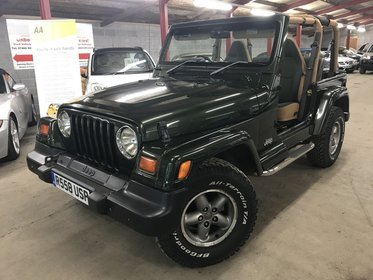 Jeep Wrangler 4.0 SAHARA HARD TOP