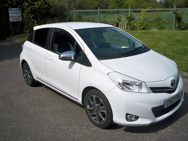 Toyota Yaris 1.3 VVT-I TREND FULL SERVICE HISTORY AIR CONDITIONING AND BLUETOOTH