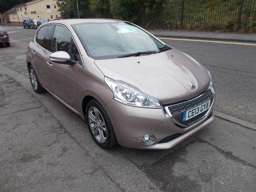 Peugeot 208 1.2 ALLURE - BUY NO DEPOIST & £35 A WK (T&C)