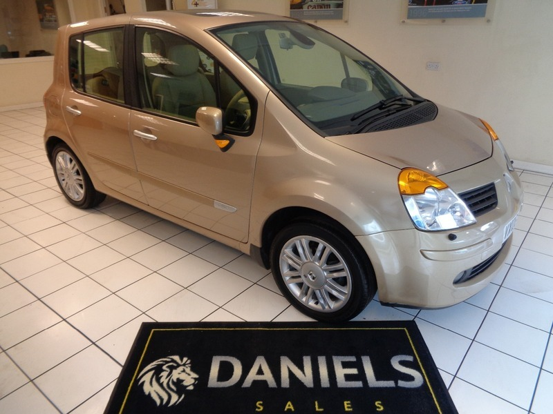 renault modus 1 6 16v initiale automatic sorry this car is now sold daniels vehicle sales ltd. Black Bedroom Furniture Sets. Home Design Ideas