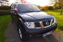 Nissan Pathfinder 2.5 DCI AVENTURA