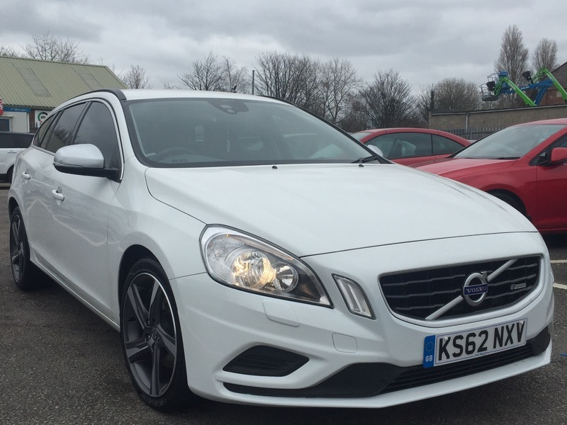volvo v60 2 0 d3 r design estate 136ps 6 speed white 2013 l k px finance lancashire commercials. Black Bedroom Furniture Sets. Home Design Ideas