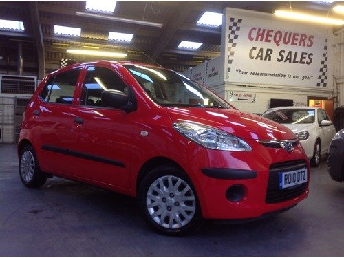 Hyundai I10 1.2 CLASSIC ONLY 17000 MILES £30 PER YEAR ROAD TAX & ONE OWNER