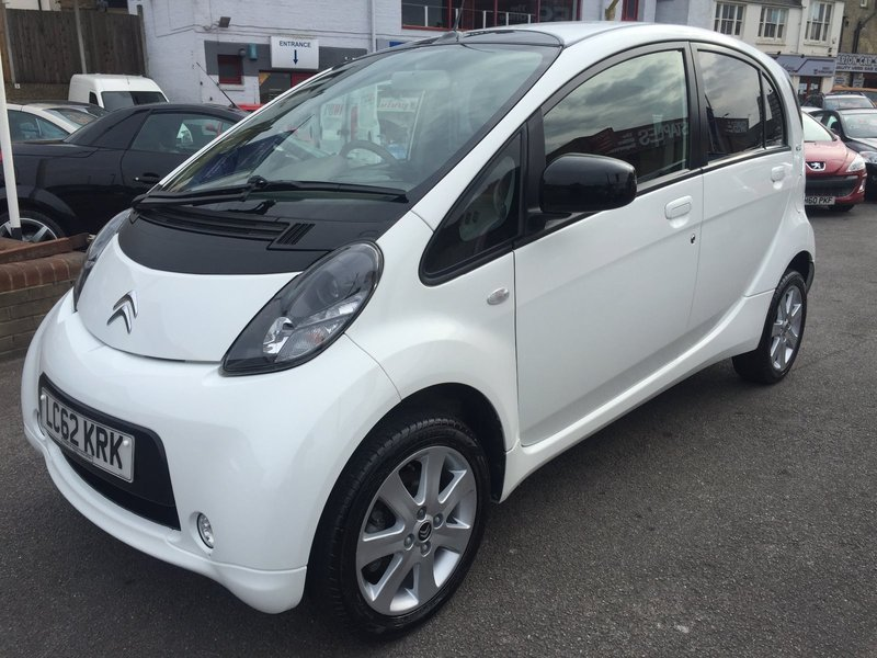 Citroen c1 auto 67hp 49kw coombs of medway for Citroen garage 93